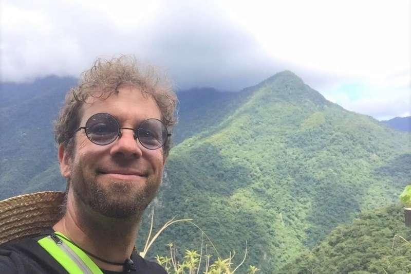 美籍旅遊作家葉家喜(Joshua Samuel Brown),20多年來靠騎自行車挖掘台灣之美,更在社群網站、外國媒體寫文章,讓外籍觀光客認識台灣寶島之美。(圖/Joshua Samuel Brown@facebook)