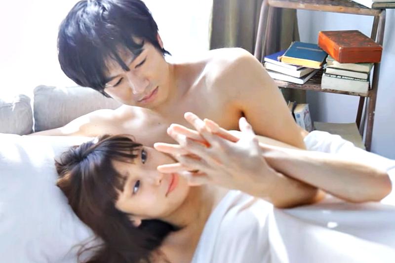 別讓「好忙、好累、好煩」壞了伴侶間的親密互動,性學家傳授30分鐘內提升親密感的按摩技巧。(示意圖非本人/翻攝自youtube)