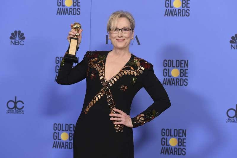 奧斯卡影后梅莉史翠普去年在金球獎獲頒終身成就獎,今年她將穿黑衣響應「服裝抗議」活動,抗議好萊塢的潛規則(AP)
