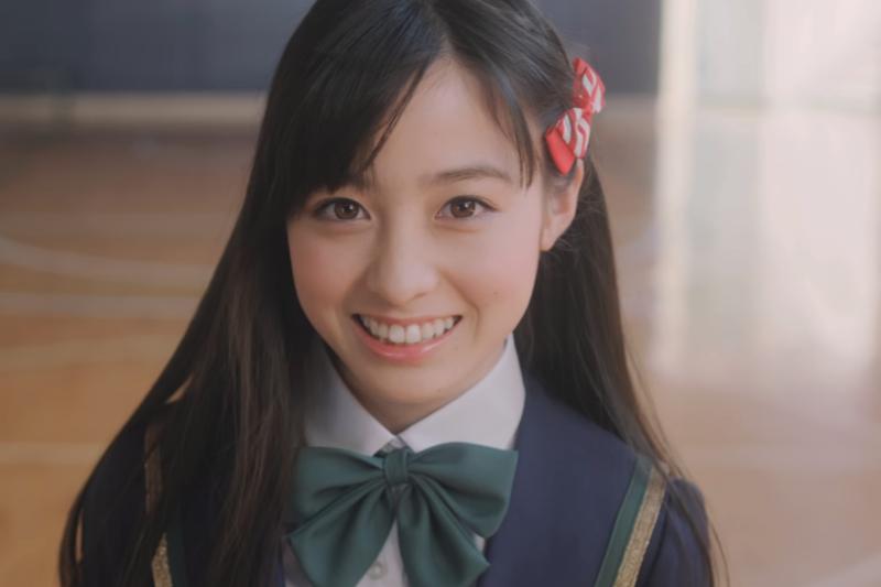 被網友喻為「千年一遇的天使少女」橋本環奈正是出身福岡的美女代表。(圖/翻攝自youtube)