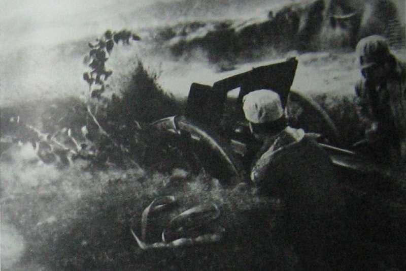 1947年,國共兩軍會戰吉林四平,史稱「四平街會戰」(維基百科.公有領域)