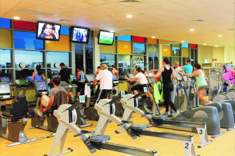全美最大連鎖健身房宣布,旗下所有的健身房都禁播新聞!究竟是為什麼呢?(圖/UNE Photos@flickr)