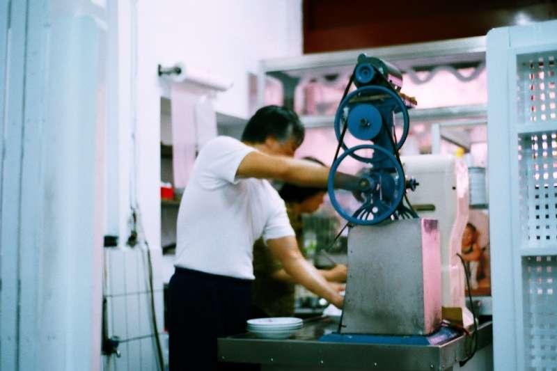 冰店老闆現身說法,告訴你新勞基法如何幫資方省錢,勞工卻無法多賺錢…(示意圖非本人/Hungju Lu@flickr)