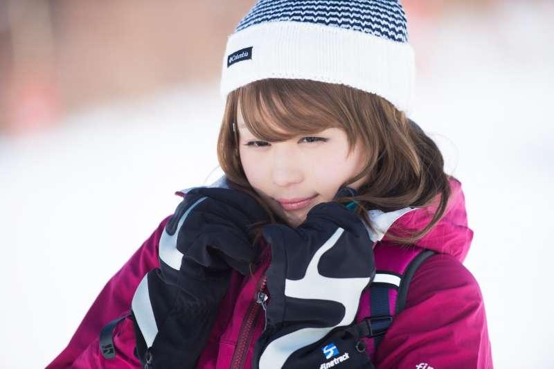 國健署提供禦寒8招,注意保暖,尤其頭頸部及四肢末端。(示意圖/pakutaso)