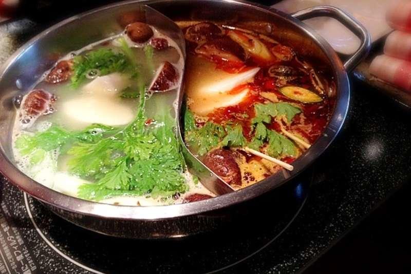無論是吃哪一種火鍋,都要小心美味背後的「鈉」危機!(圖/hirotomo t@Flickr)