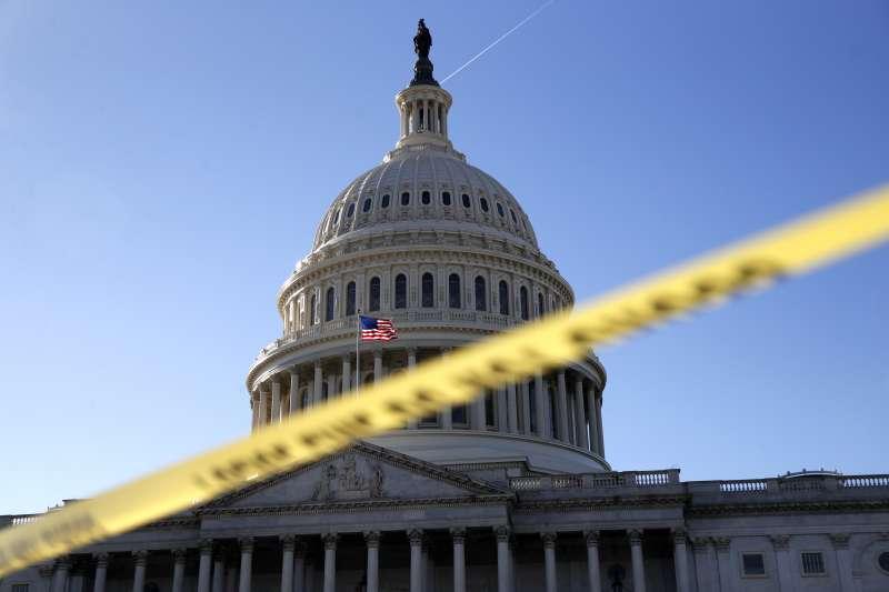 預算案卡在參議院,美國聯邦政府關門。(美聯社)