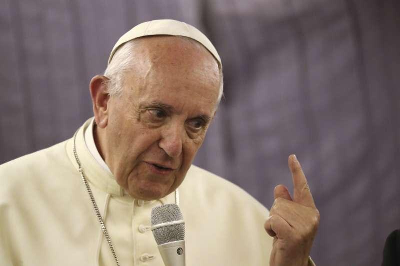 天主教教宗方濟各發布文告,呼籲透過教育根除假新聞(AP)