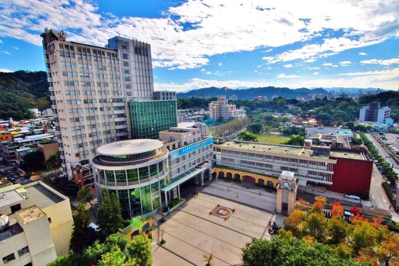 台北醫學大學首創的跨領域學院,旗下設有數位自學中心、創新創業教育中心、跨領域學習中心,希望成為通識、專業和臨床的連接橋梁。(取自台北醫學大學網站)