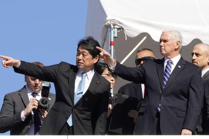 日本防衛大臣小野寺五典與美國副總統彭斯。(美聯社)