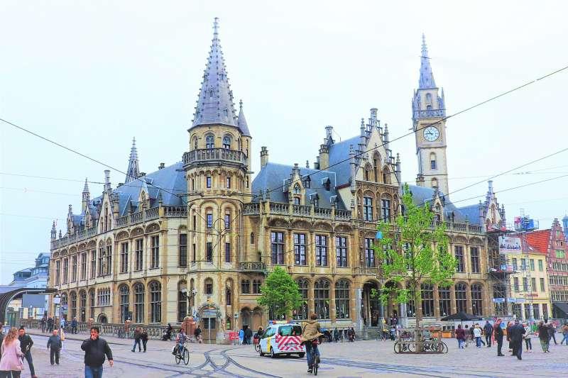 在歐洲社會中,保存古蹟遠比蓋新大樓還重要,看這6間知名的古蹟改建旅館,就能知道古蹟多有魅力。(圖/Dimitris Kamaras@flickr)