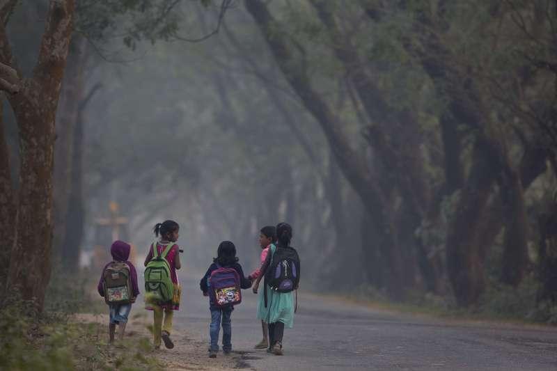 作弊現象猖獗的背後,反映的是印度教育體制的根本問題。