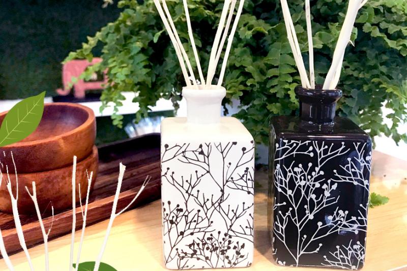 造型典雅的Branches 盛開花瓶擴香組,讓居家空間散發大自然般的香氣。(圖/泰香提供)