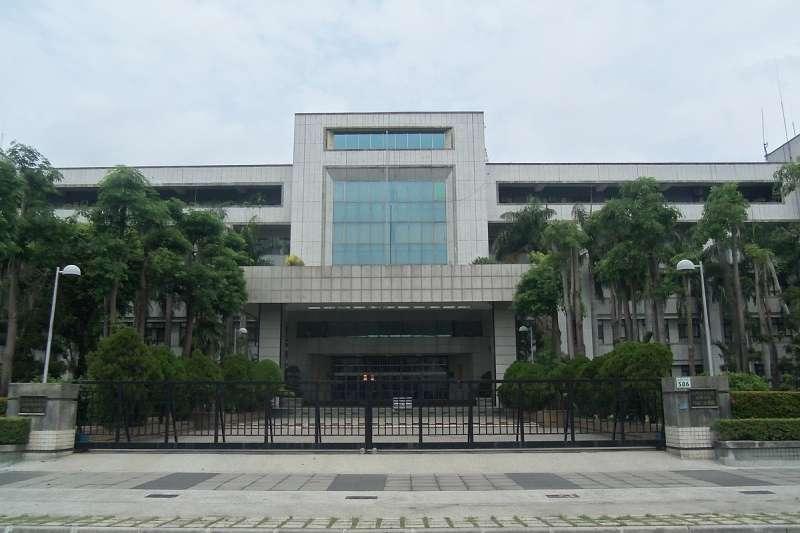台灣高等法院高雄分院今(13)天宣布黑心油案二審結果,改認定正義公司等被告是「故意犯」,依違反《食品安全衛生管理法》重判正義總經理何育仁有期徒刑11年。(Wikipedia/CC-BY-SA-3.0)
