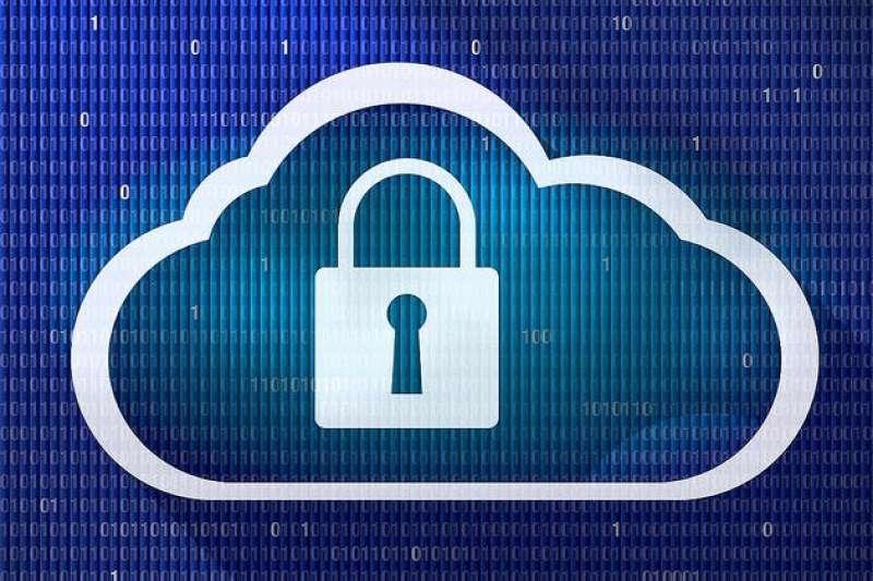 中國的新的《網路安全法》讓境內雲端服務商大震動,為因應新規則,蘋果和華碩竟做出了大不相同的決策。(圖/Blue Coat Photos@flickr)