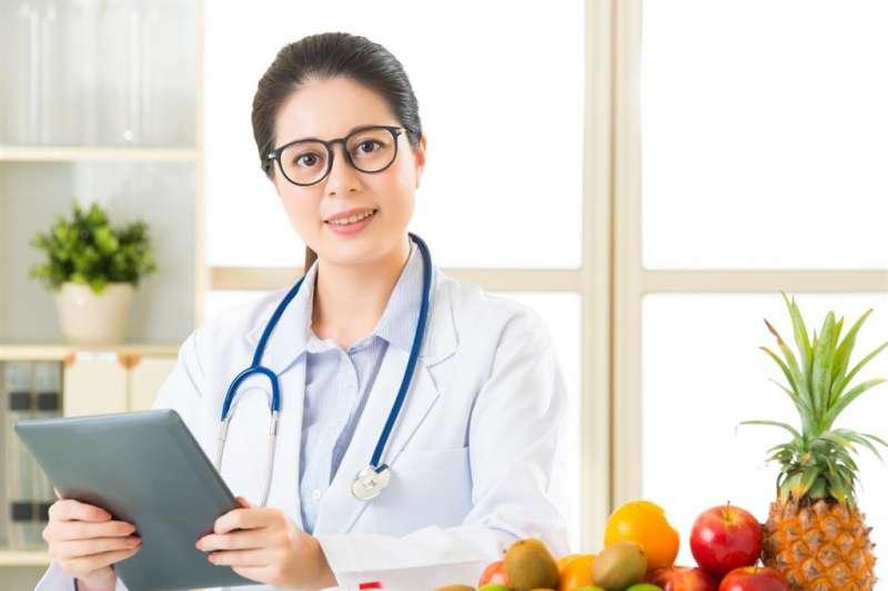 醫院營養師的工作內容可分為臨床業務和團體膳食作業兩大項目。(圖/食力提供)