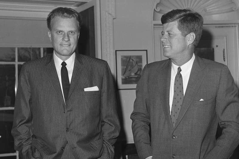 葛理翰與美國前總統尼甘迺迪(John F. Kennedy)。(美聯社)