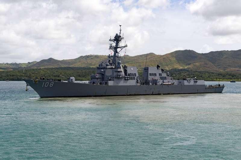 即將隨同卡爾文森號訪問越南峴港的美軍韋恩梅耶號飛彈驅逐艦。(美國海軍官網)