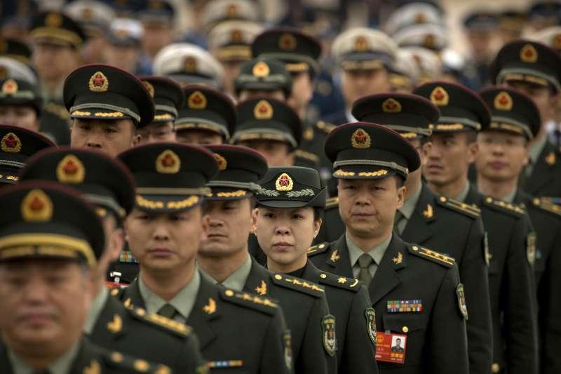 2018年中國全國兩會,全國政協十三屆一次會議3月3日率先登場,解放軍代表(AP)