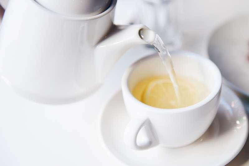 喝熱檸檬水真的夠抗癌嗎?(圖/pixabay)