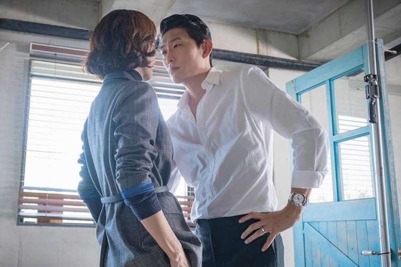 「曖昧」跟「出軌」的界線到底在哪裡呢?(示意圖/JTBC Drama@facebook)