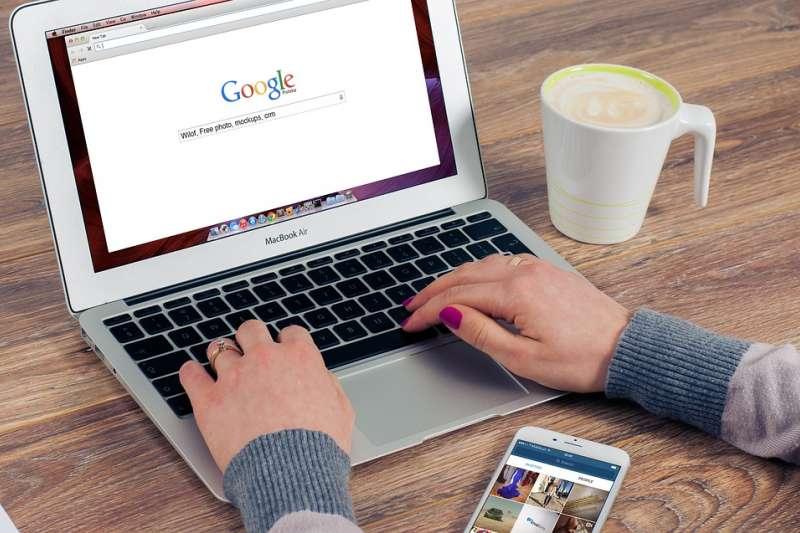 今天發布的年度企業聲譽商數調查,蘋果排名從第5落到第29,谷歌從第8掉到第28。(示意圖/FirmBee@pixabay)