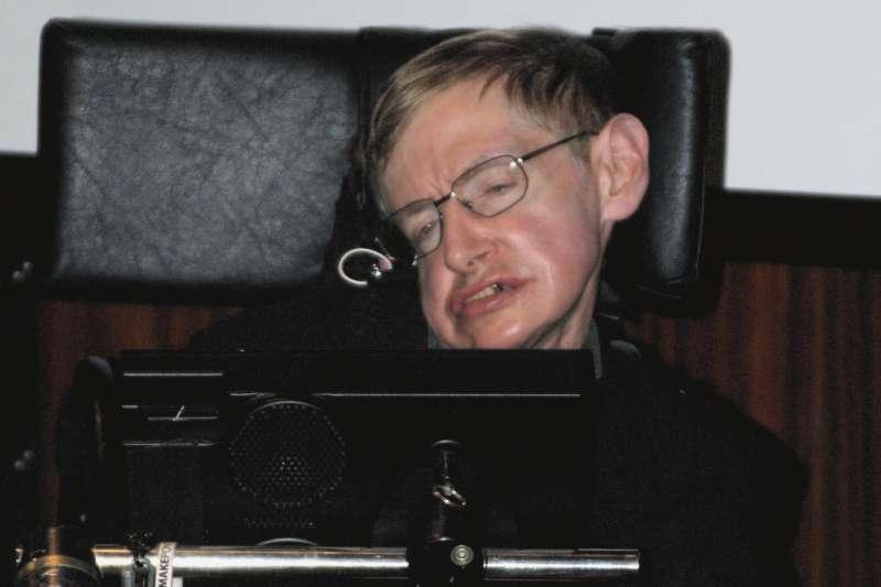 英國物理學大師霍金(Wikipedia / Public Domain)