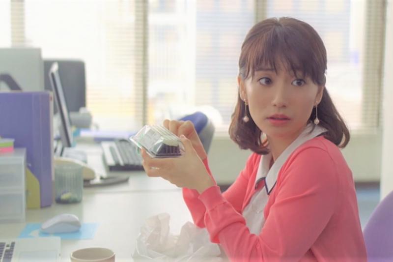 日本上班族午餐都花多少錢?聽聽食堂老闆20多年來的觀察就懂!(圖/取自youtube)