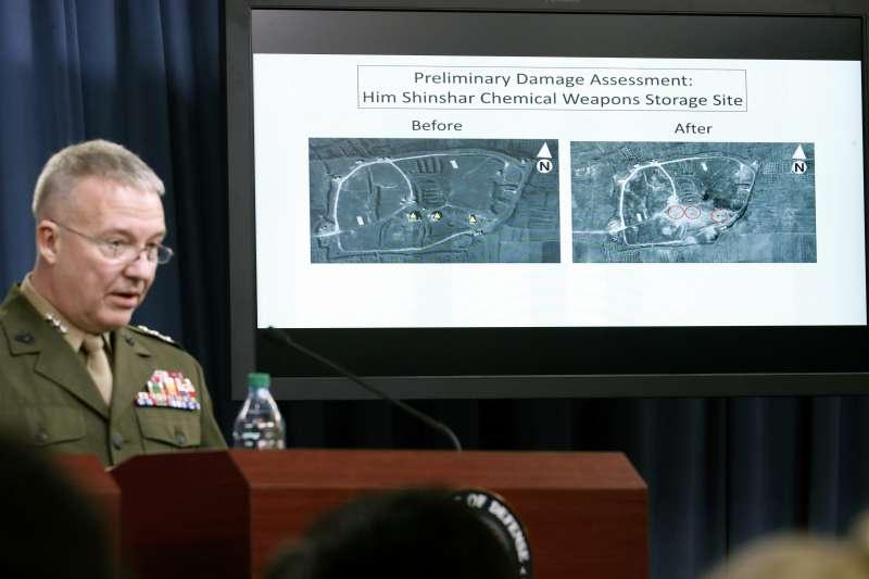 2018年4月13日,美英法三國聯軍以巡弋飛彈攻擊敘利亞化武設施(AP)