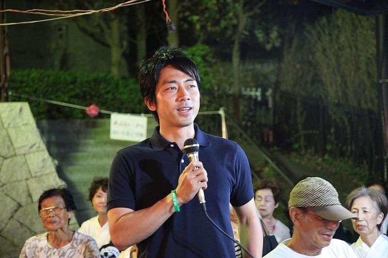 小泉進次郎(R2d2ki@Wikipedia / CC BY-SA 3.0)