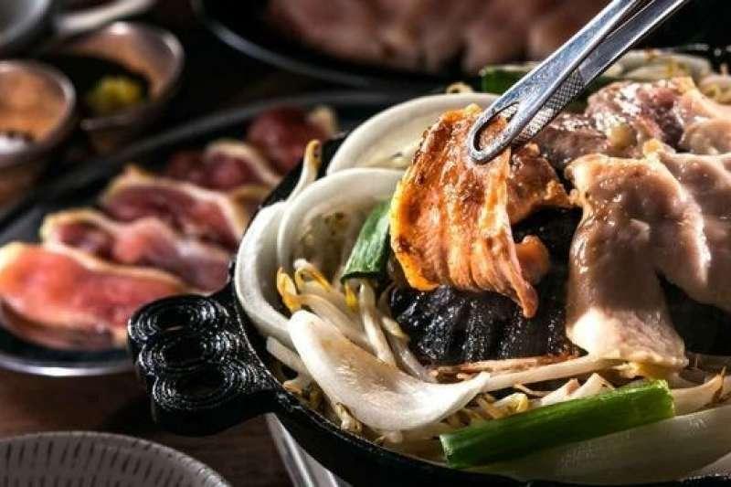 塚田農場,最讓人瘋狂的就是土雞料理。(圖/reservation.yahoo.co.jp)