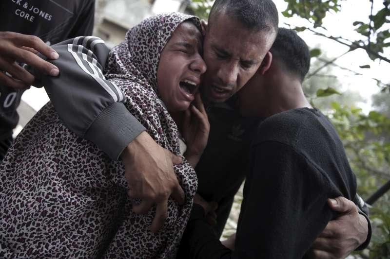 加薩走廊的巴勒斯坦人持續進行返鄉大遊行,死亡人數攀升至48人(AP)