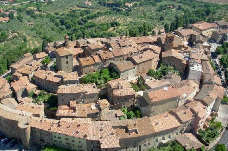 一個什麼都美的地方:帕尼卡雷小鎮。(Umbria domani)