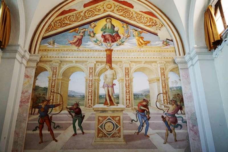佩魯吉諾的聖徒瑟巴斯添諾濕壁畫。(曾廣儀攝)
