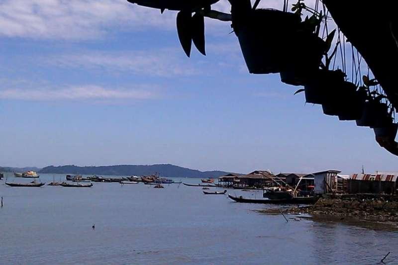 皎漂港位於緬甸若開邦,是中緬油氣管道的起點。(美國之音)