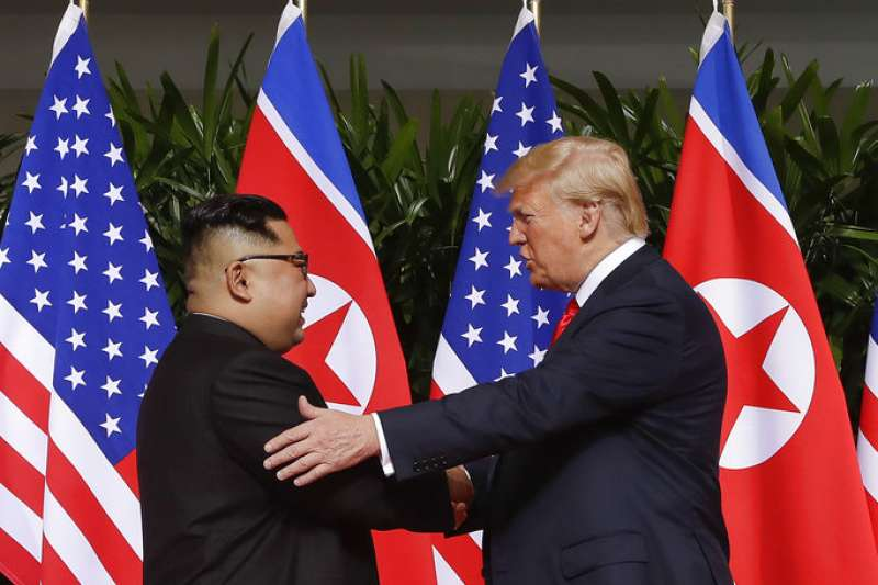 「想要解決北韓核武開發問題最終極的方法有兩個,其一是透過戰爭推翻金正恩的統治體制。其二是國際社會和北韓握手言和,歡迎北韓重返國際舞台並開放國家門戶。」(AP)