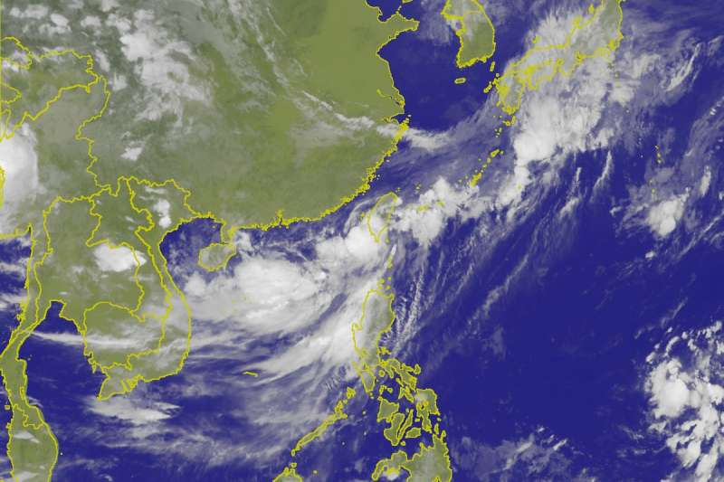 今明兩天受熱帶性低氣壓影響,南部將有明顯雨勢,也不排除熱帶性低氣壓會在今天發展為今年第6號颱風凱米(Gaemi)。(取自氣象局網站)