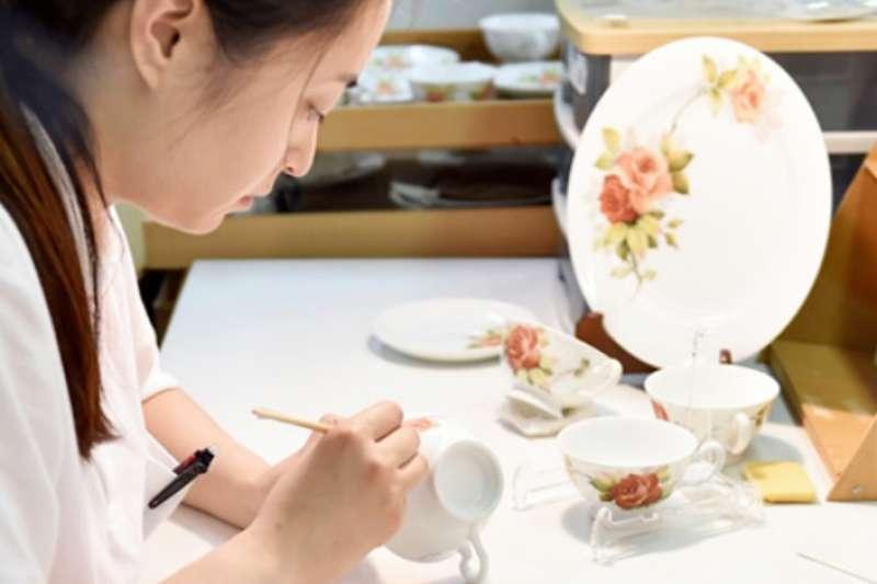 在日文裡「職人」的意思是工匠或師傅 ,意指將某項專業技術達到最完美的境界。