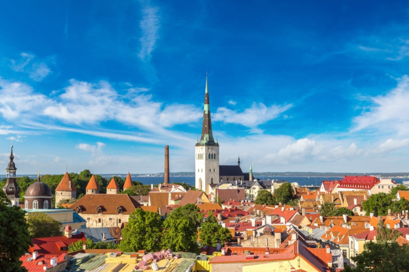 難民家庭出身的愛沙尼亞前總統湯瑪斯・伊爾韋斯,如何率領愛沙尼亞走出 1991 年脫離蘇聯,沒資源發展的小國泥淖,發展數位愛沙尼亞,接軌歐洲的數位單一市場?(圖/S-F via shutterstock,數位時代提供)