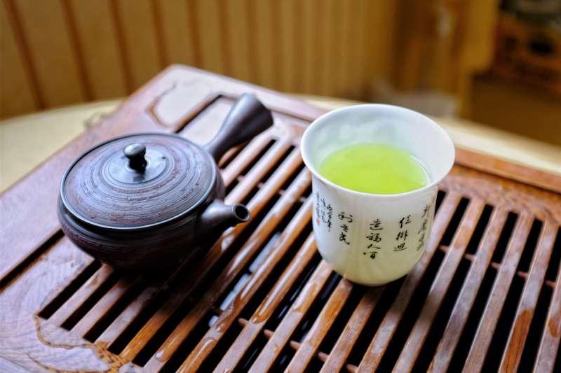 泡茶「第一泡」究竟能不能喝?(圖/Dimitri Fedorov@flickr)