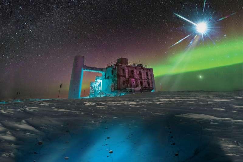 南極冰立方微中子觀測站(IceCube Neutrino Observatory)(Icecube/NSF)