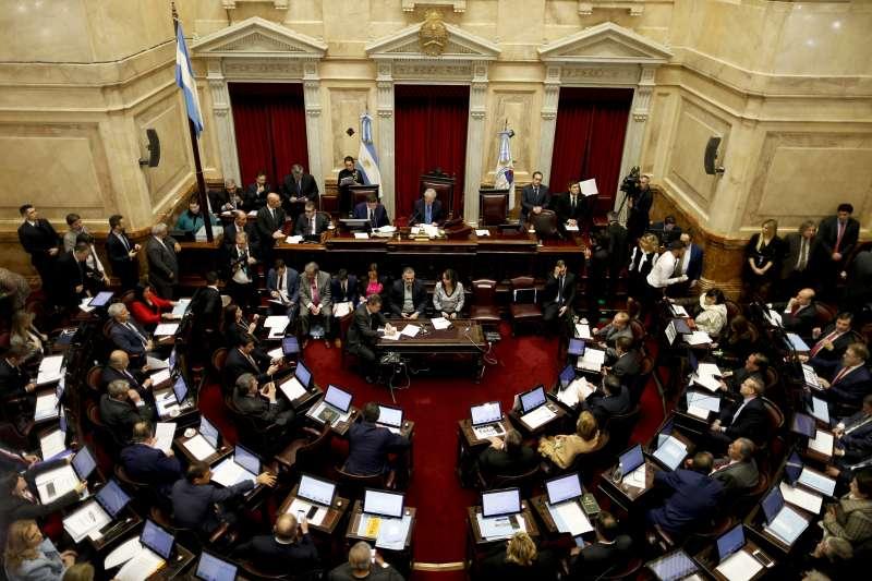 阿根廷參議院否決墮胎合法化法案(AP)