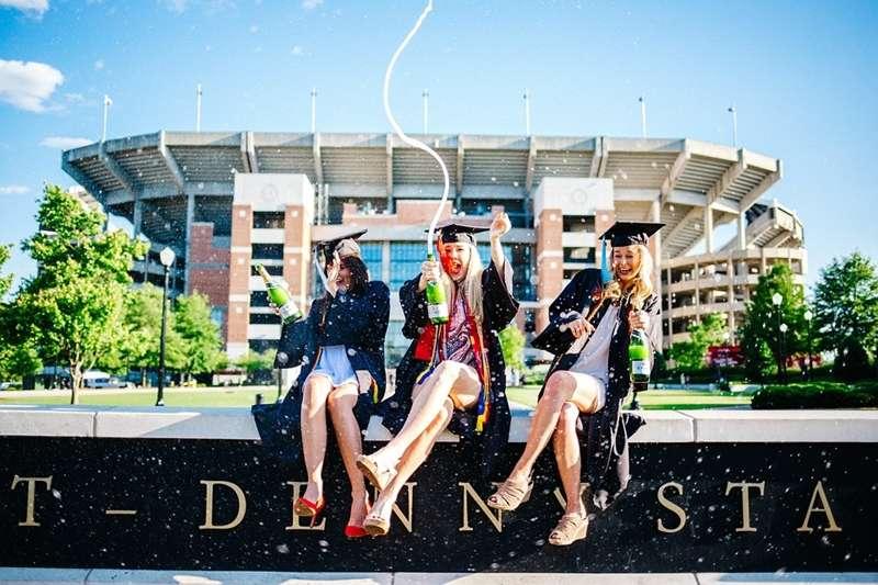 大學四年的時光彈性又自由,你規劃好要怎麼過了嗎?別再揮霍時光,趁大學完成這些事情,別等畢業才來後悔啊!(圖/StockSnap@pixabay)