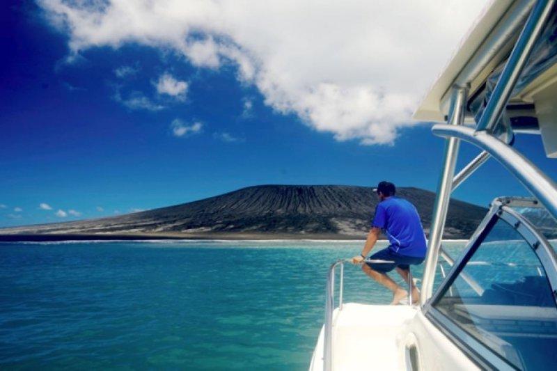 南太平洋島國東加又多了一座新島,有希望開發為觀光勝地。(取自網路)