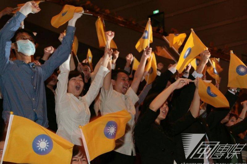 民國黨成立大會,現場氣氛熱烈。(余志偉攝)