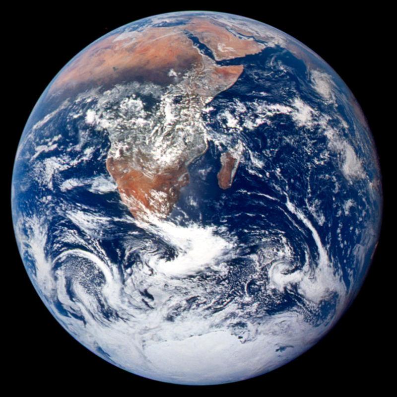 「史詩」畫面傳回來了!太空中最美的藍色彈珠──地球 風傳媒