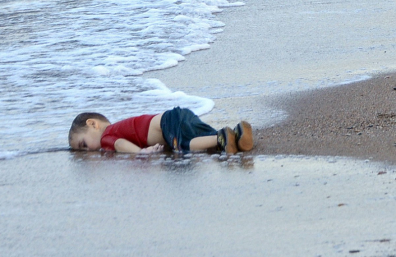 敍利亞3歲男童(Aylan)溺斃於土耳其海岸。