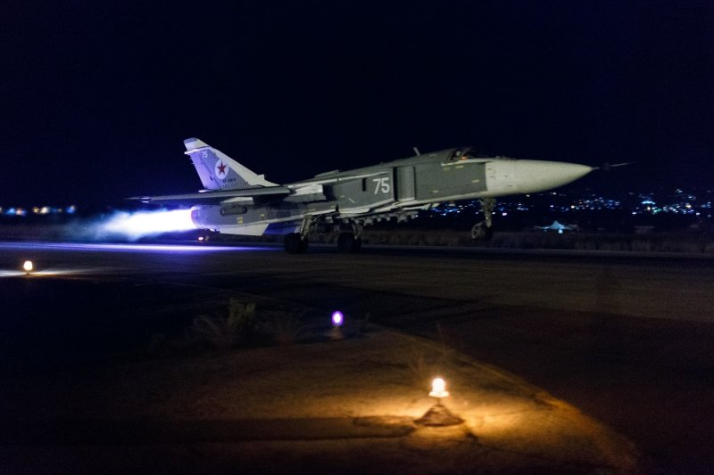 俄國戰機於敘利亞境內基地出發執行任務(美聯社)