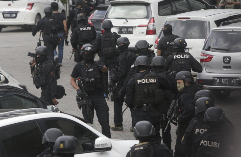 印尼警方正在搜尋槍手。(美聯社)