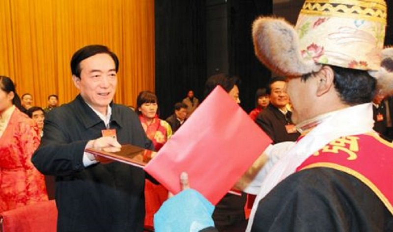 2013年自治區召開第二批駐村工作總結暨第三批駐村工作動員大會。(作者提供)