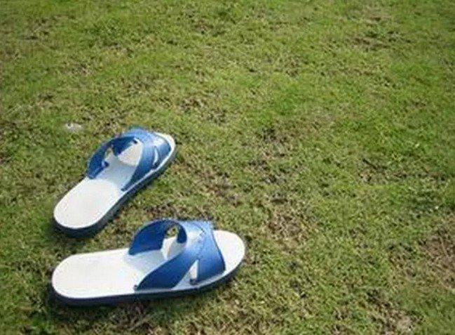 在台灣,有一種風格,叫藍白拖。(取自微信號直通台灣)